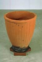 http://carolinanitsch.dreamhosters.com/files/gimgs/th-104_104_sct-0029-vase.jpg